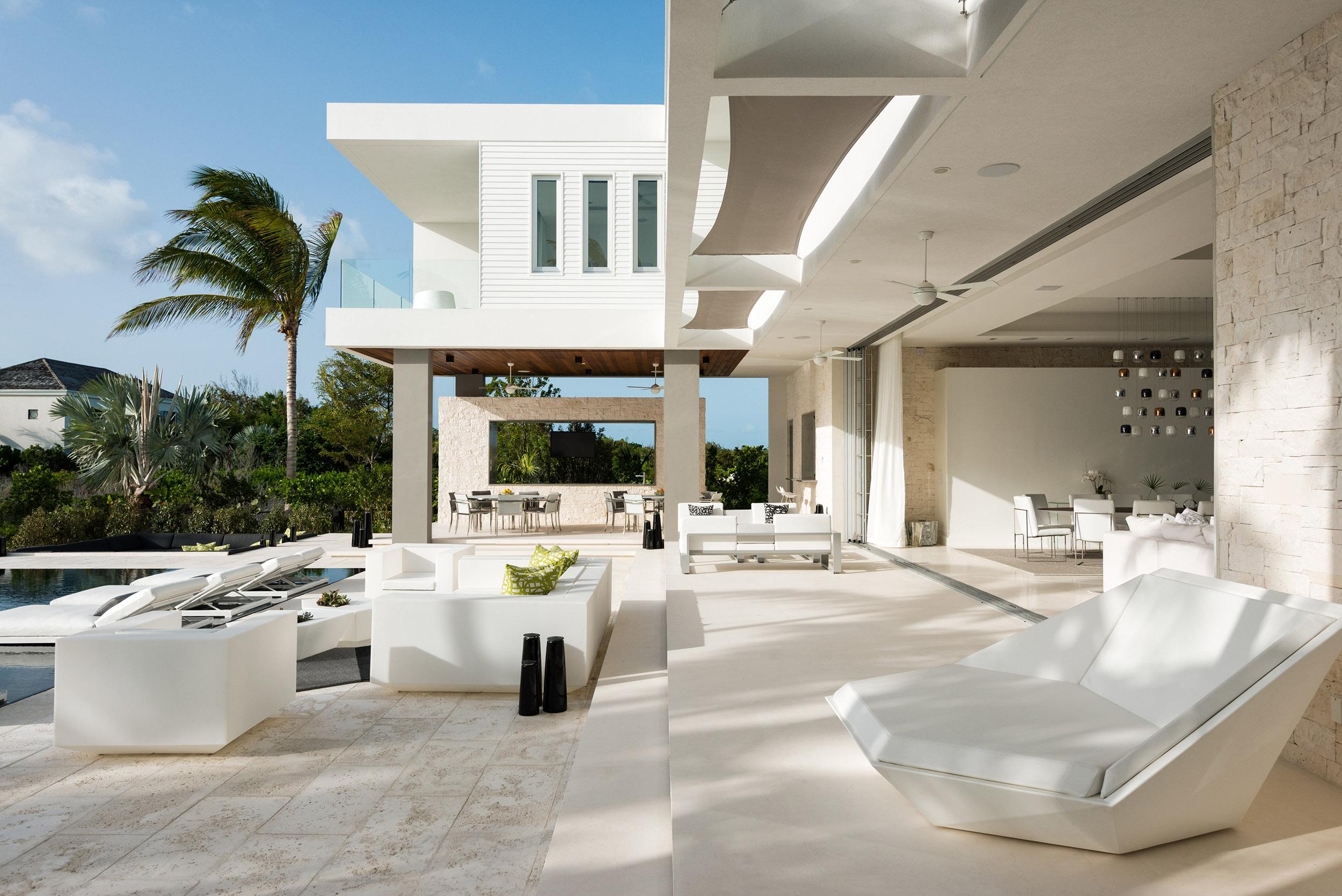 Villa Awa - view of the pool terrace