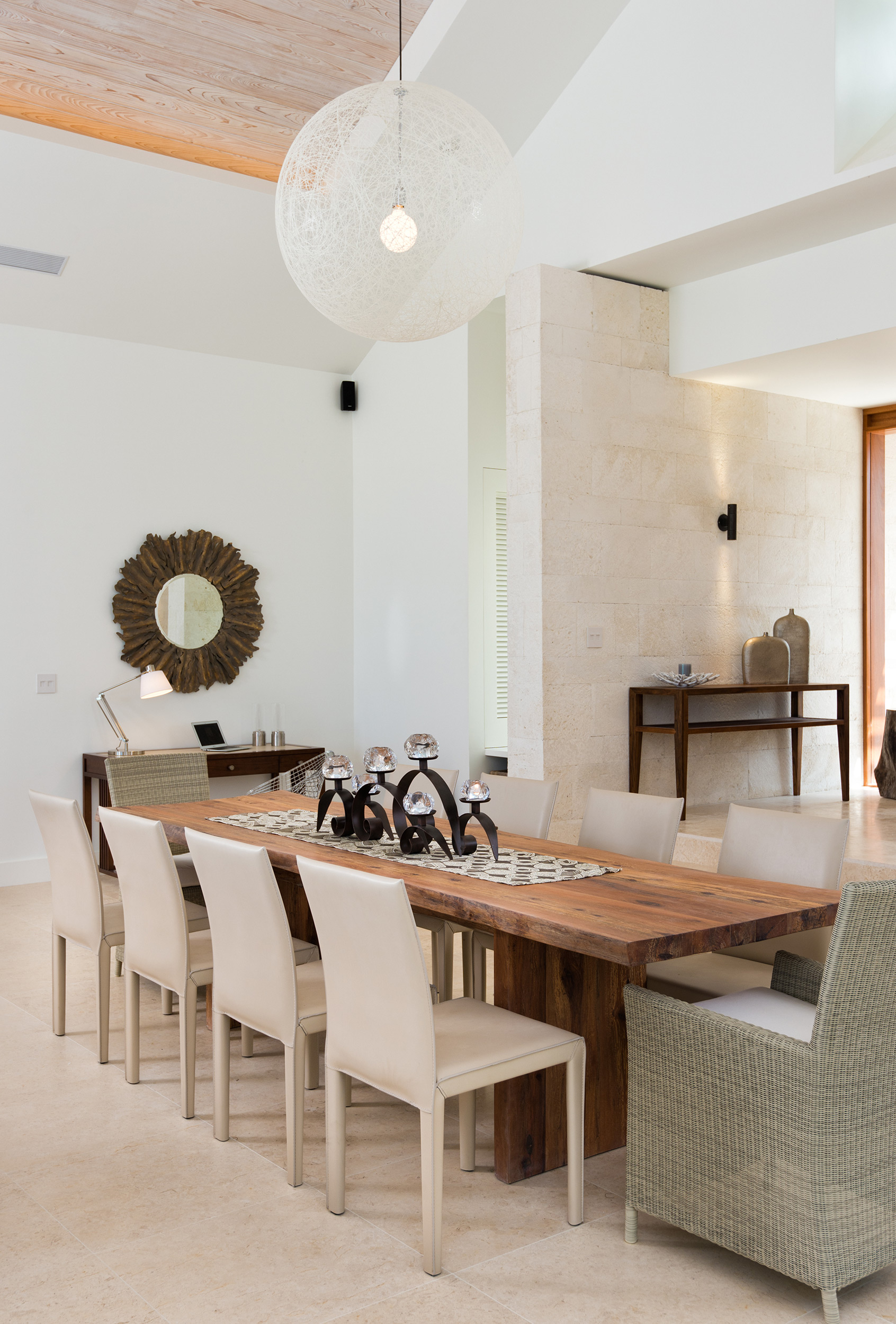 Castaway - view of the dining area