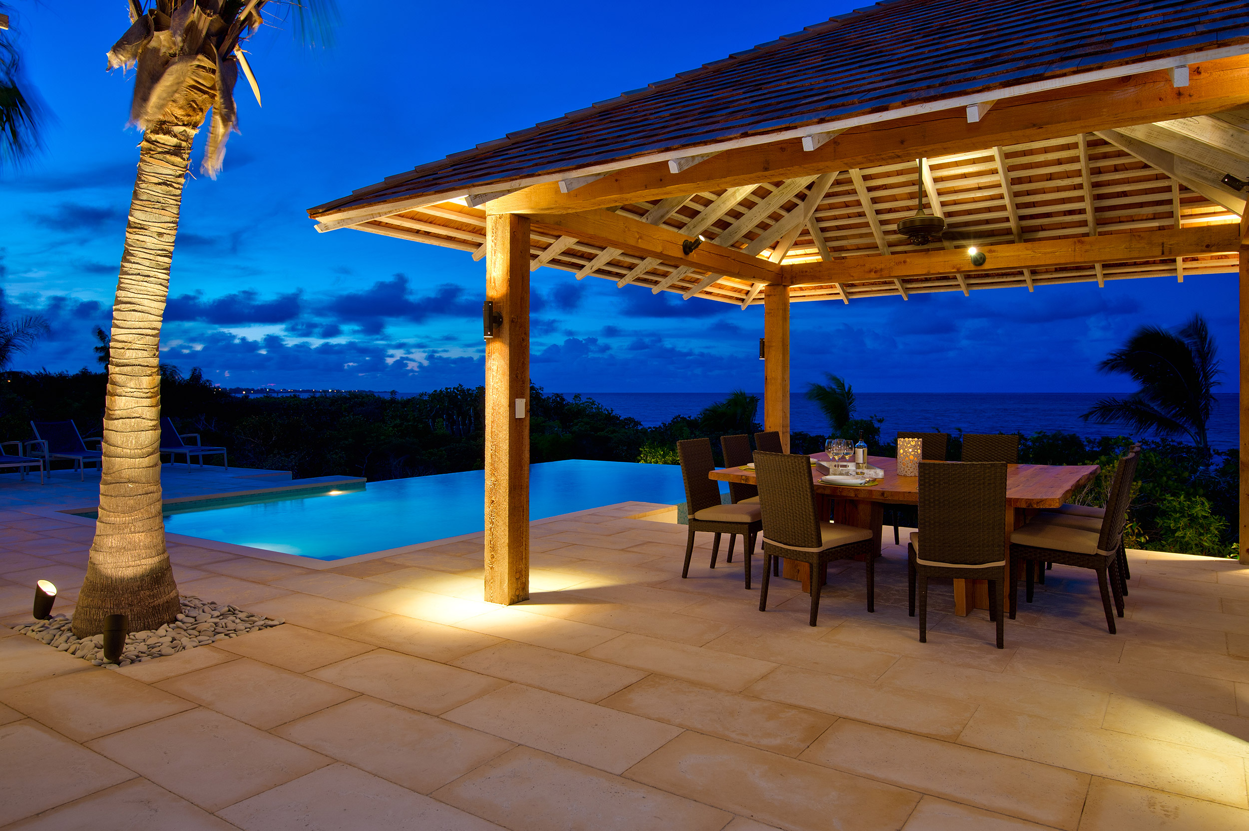 Castaway - view of the cabana and pool