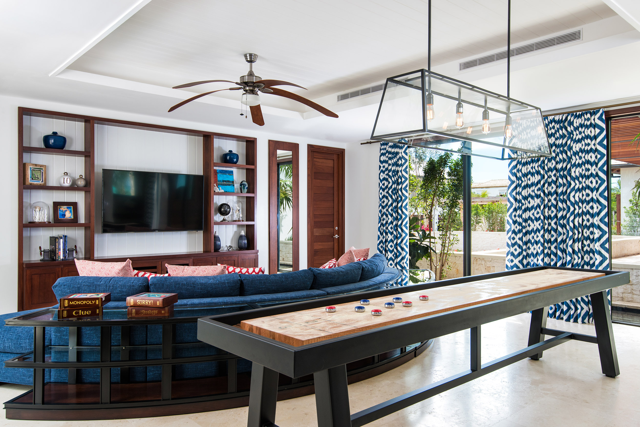 Hawksbill - view of the family room