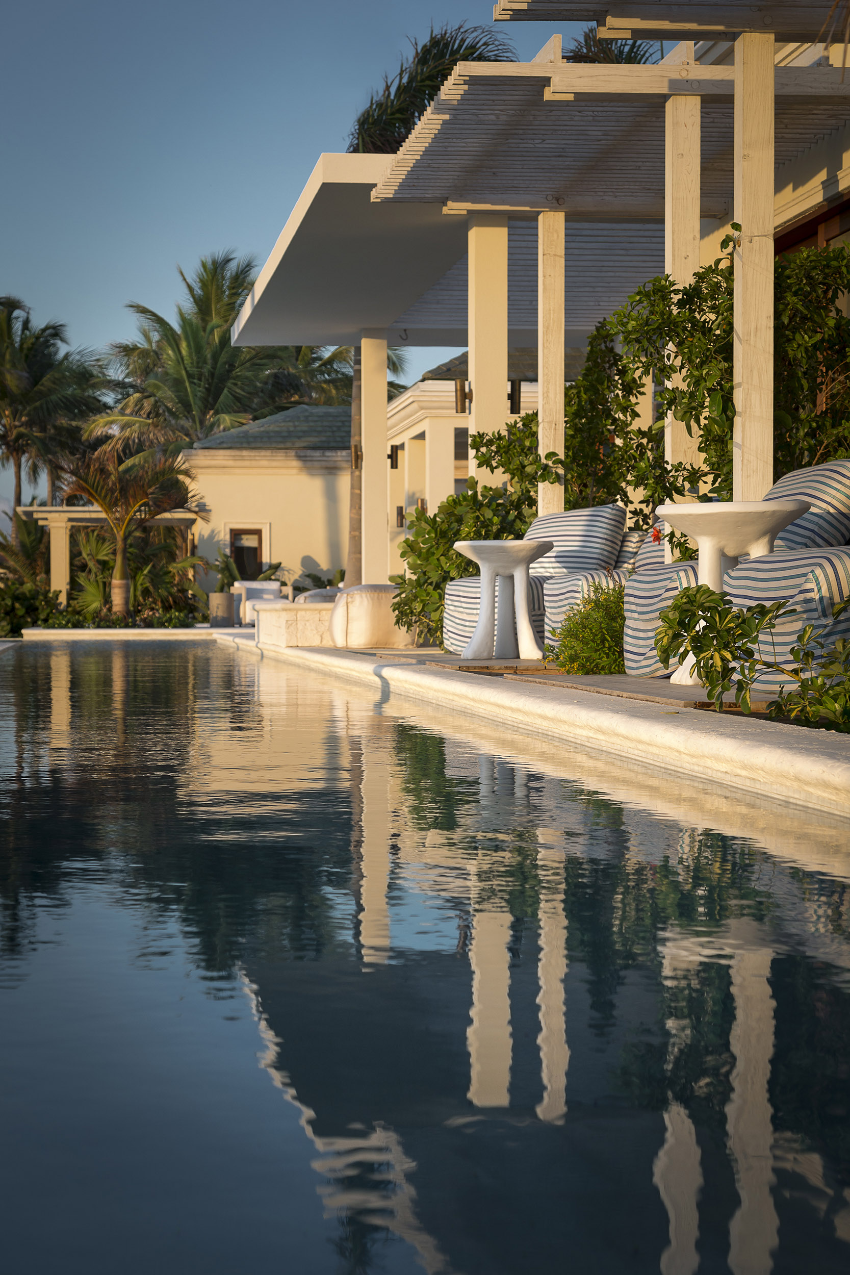 La Dolce Vita - view of the swimming pool and sheltered terraces