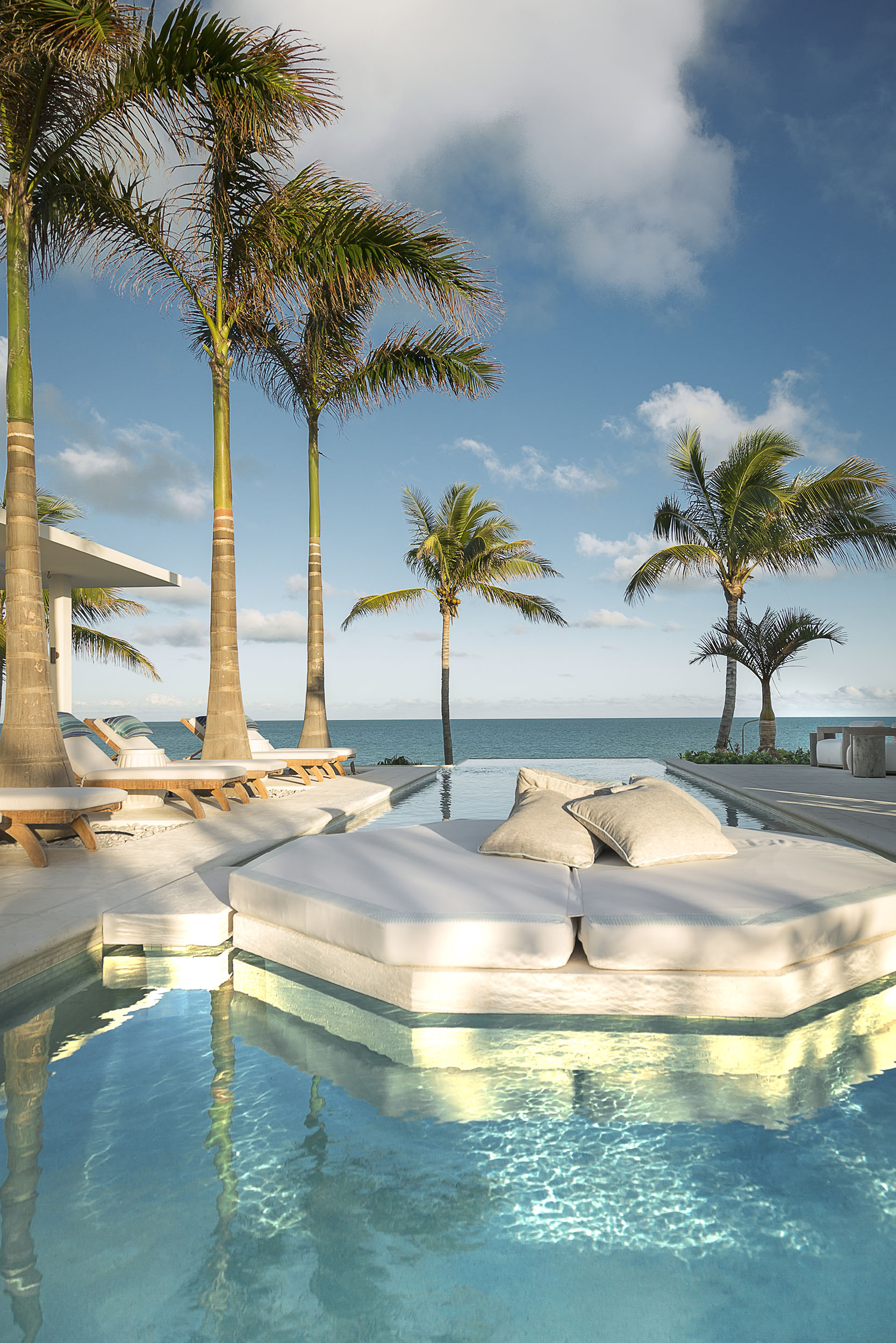 La Dolce Vita - view of the swimming pool
