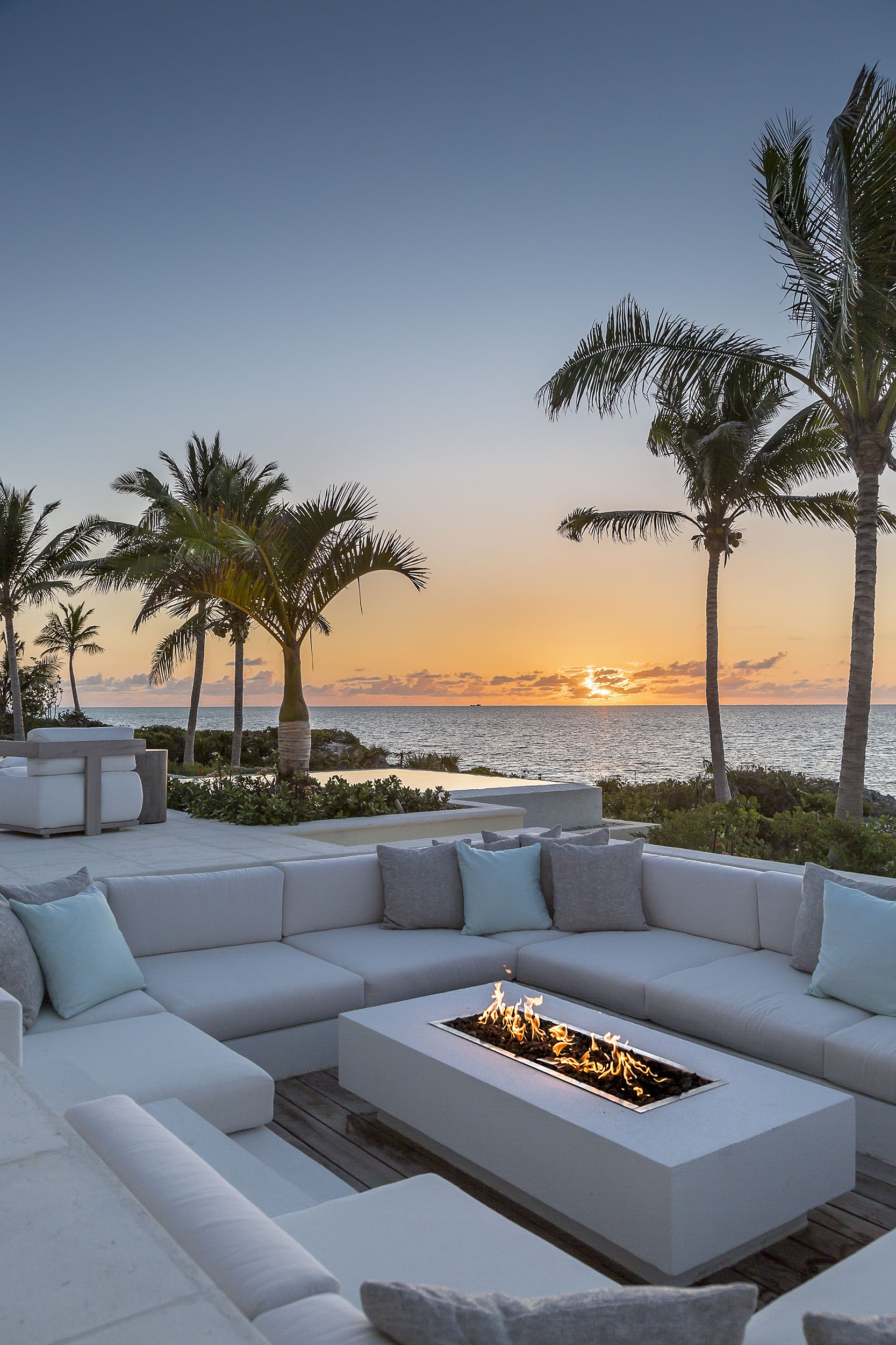 La Dolce Vita - evening view of the fire pit