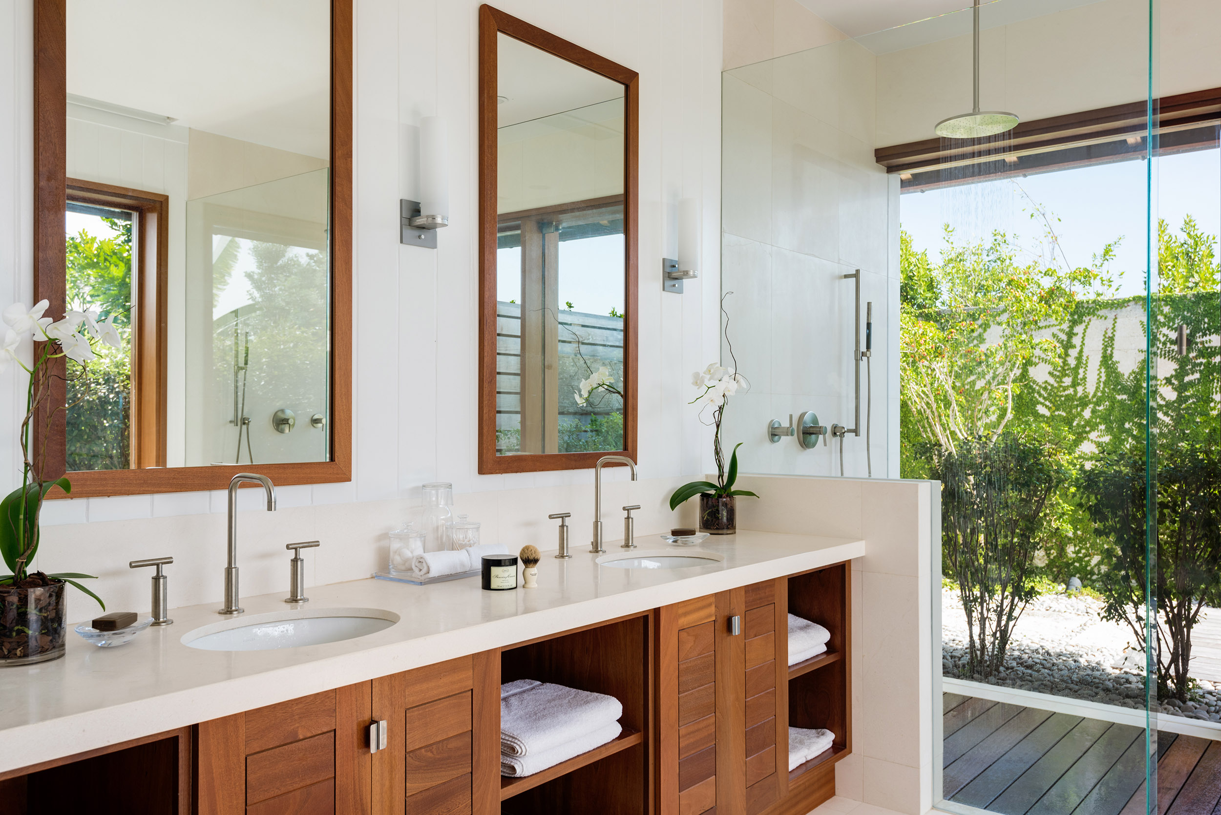 Serenity - view of one of the bathrooms