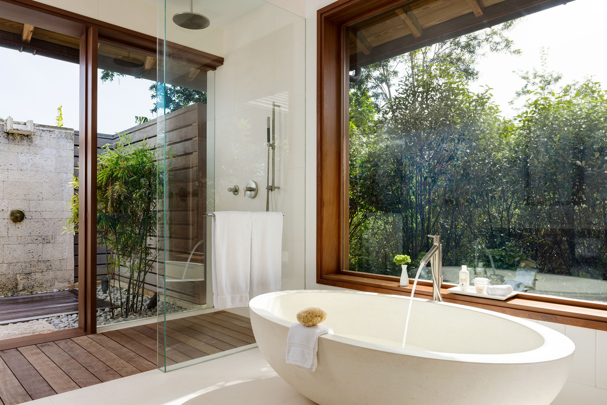 Serenity - view of one of the bathrooms with outdoor shower area beyond