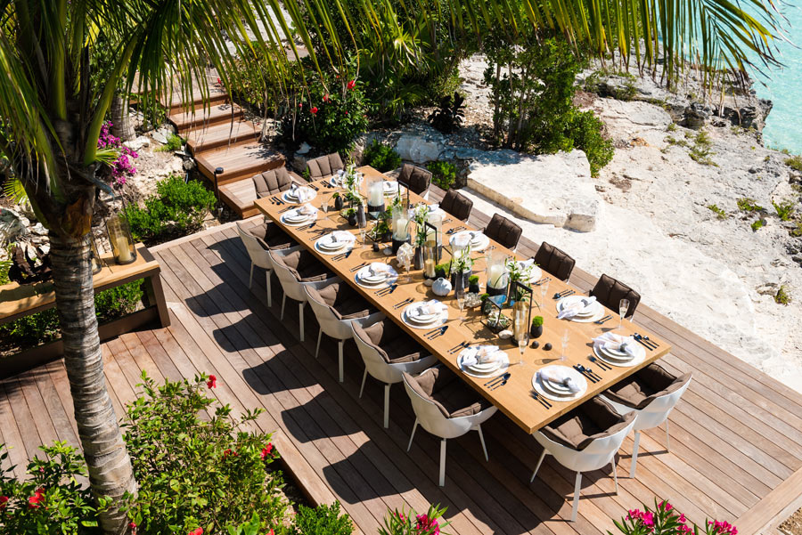 Dream Big Villa - view of the outdoor dining deck