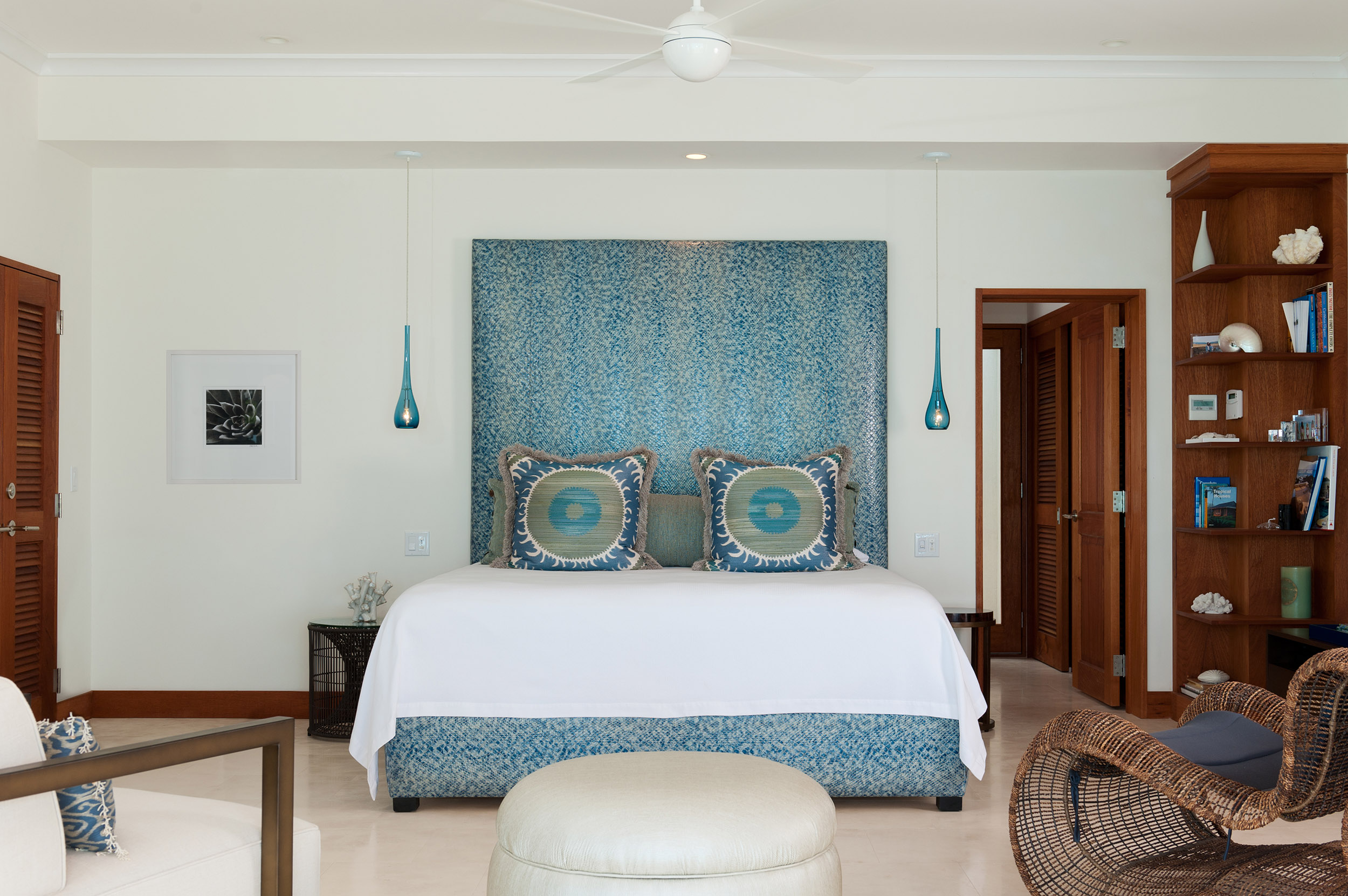 Dream Big Villa - view of the master bedroom in the main house